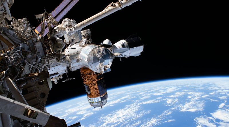 Space Architecture – The Design of space stations and lunar bases